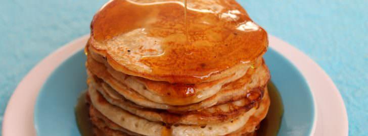 Pancakes vegan mit Ahornsirup